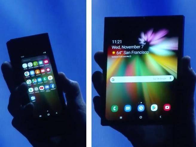 Samsung mostra lo smartphone pieghevole che diventa un tablet