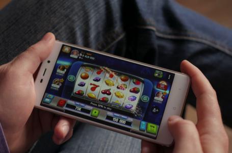 Gioco online, la spesa netta da mobile supera il muro dei 350 milioni all'anno