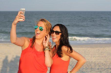 Come fare selfie perfetti per  migliorare i tuoi profili social