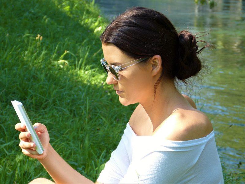 Mamme e smartphone, ecco le migliori app da installare
