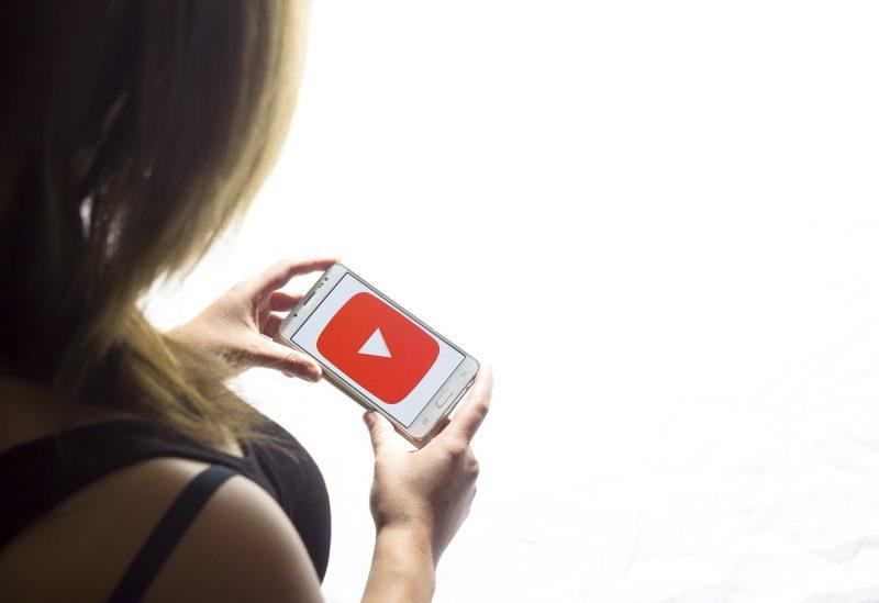 Caricare video YouTube da cellulare