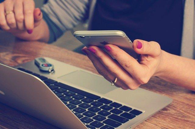 3 consigli utili per chi lavora molto con il cellulare